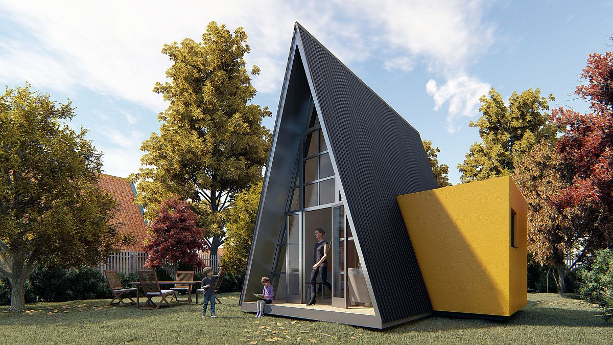 Small-cabin-that-contains-a-fully-equiped-community-space-inside-42290