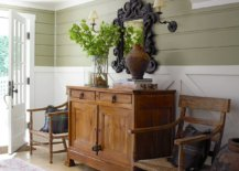 Snazzy-white-and-green-entryway-feels-welcoming-despite-its-low-roof-93320-217x155