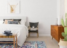 That-chair-next-to-the-bed-looks-as-beautiful-as-any-other-nightstand-30016-217x155