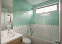 Two-toned-shower-backsplash-from-Fireclay-Tile-87936-217x155