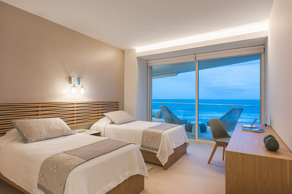 Bedroom-with-terrace-and-a-view-of-the-ocean-beyond-94361