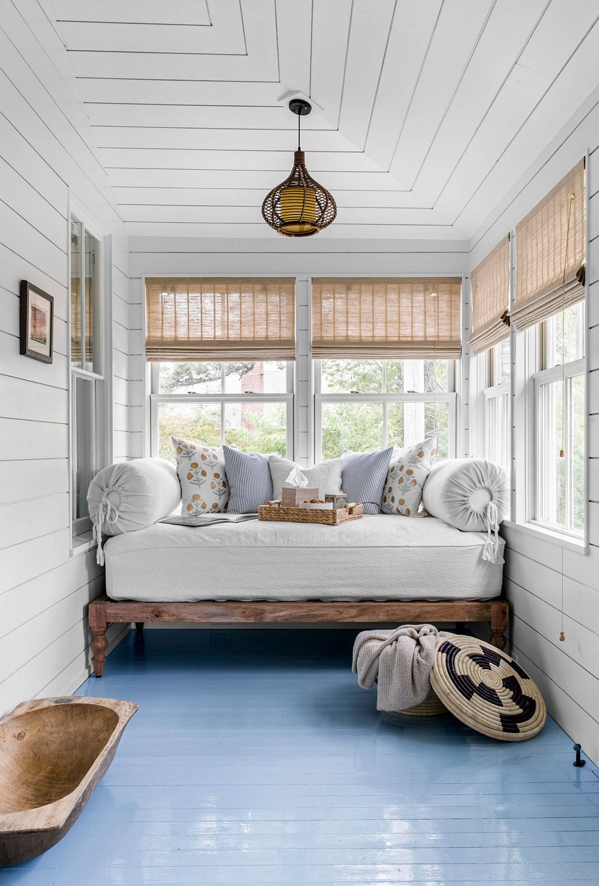 Best Bedrooms with Painted Floors: Seasonal Trend with a Difference