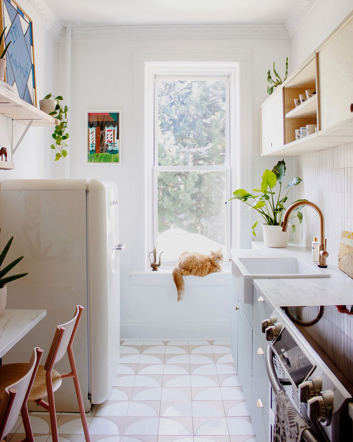 Bright-and-white-small-Scandinavian-kitchen-of-New-York-home-with-smart-design-65827