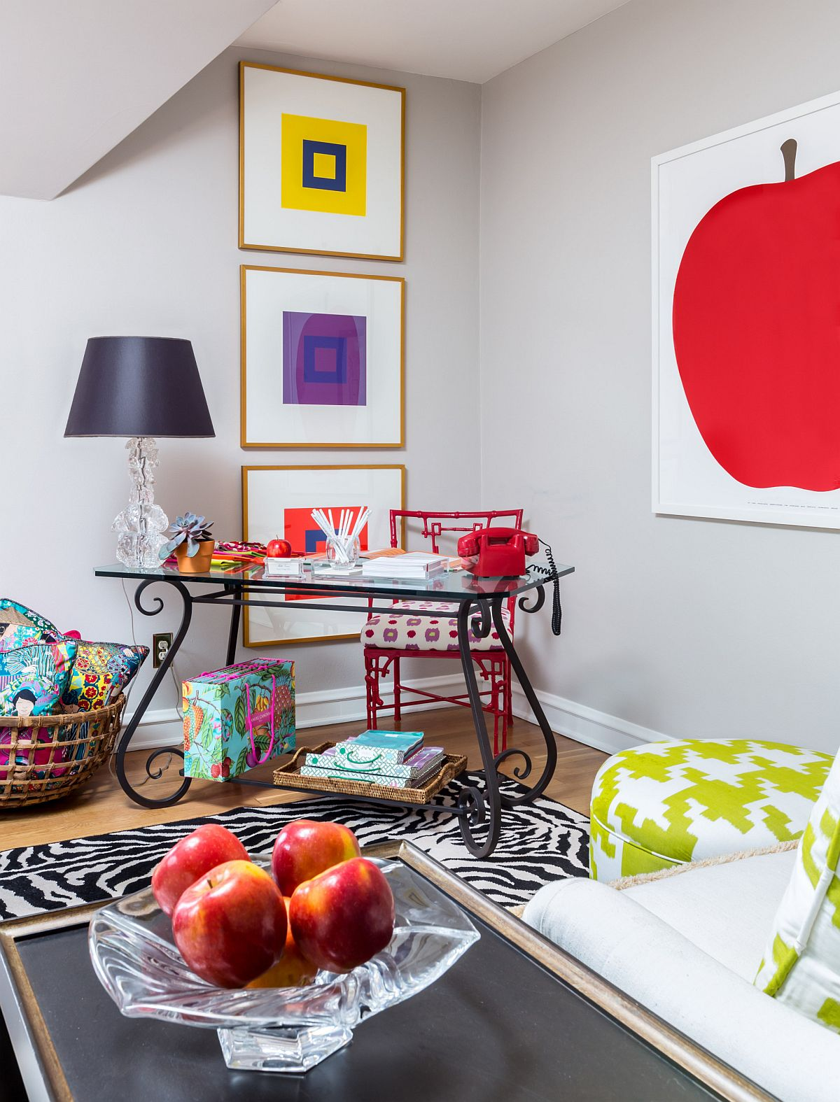 Brilliant-array-of-colors-define-this-gorgeous-eclectic-workspace-in-the-corner-33831