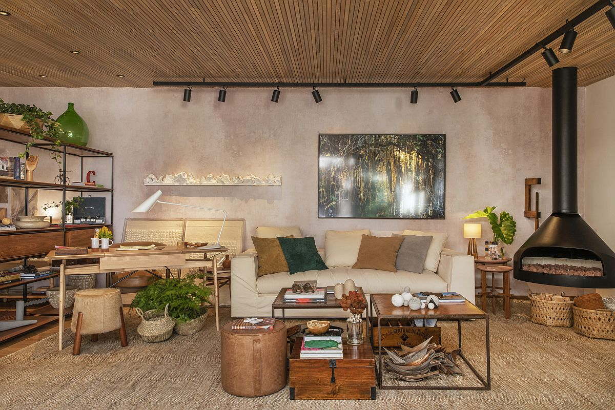 Brilliant natural finishes, textures and curated decor steal the show inside this beautiful Brazilian home