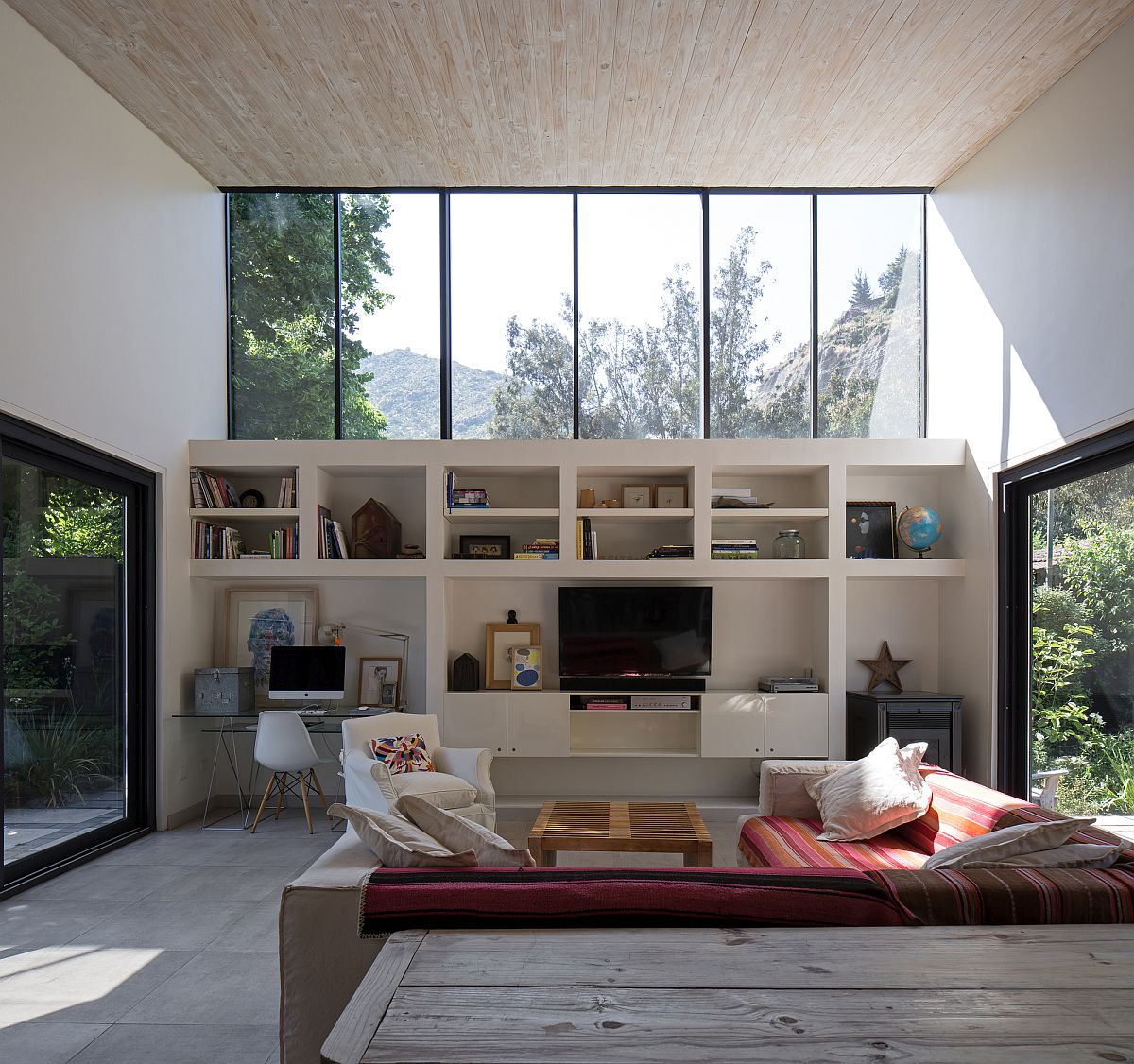 Double-height-living-area-of-the-home-with-clestory-windows-is-full-of-natural-light-19409