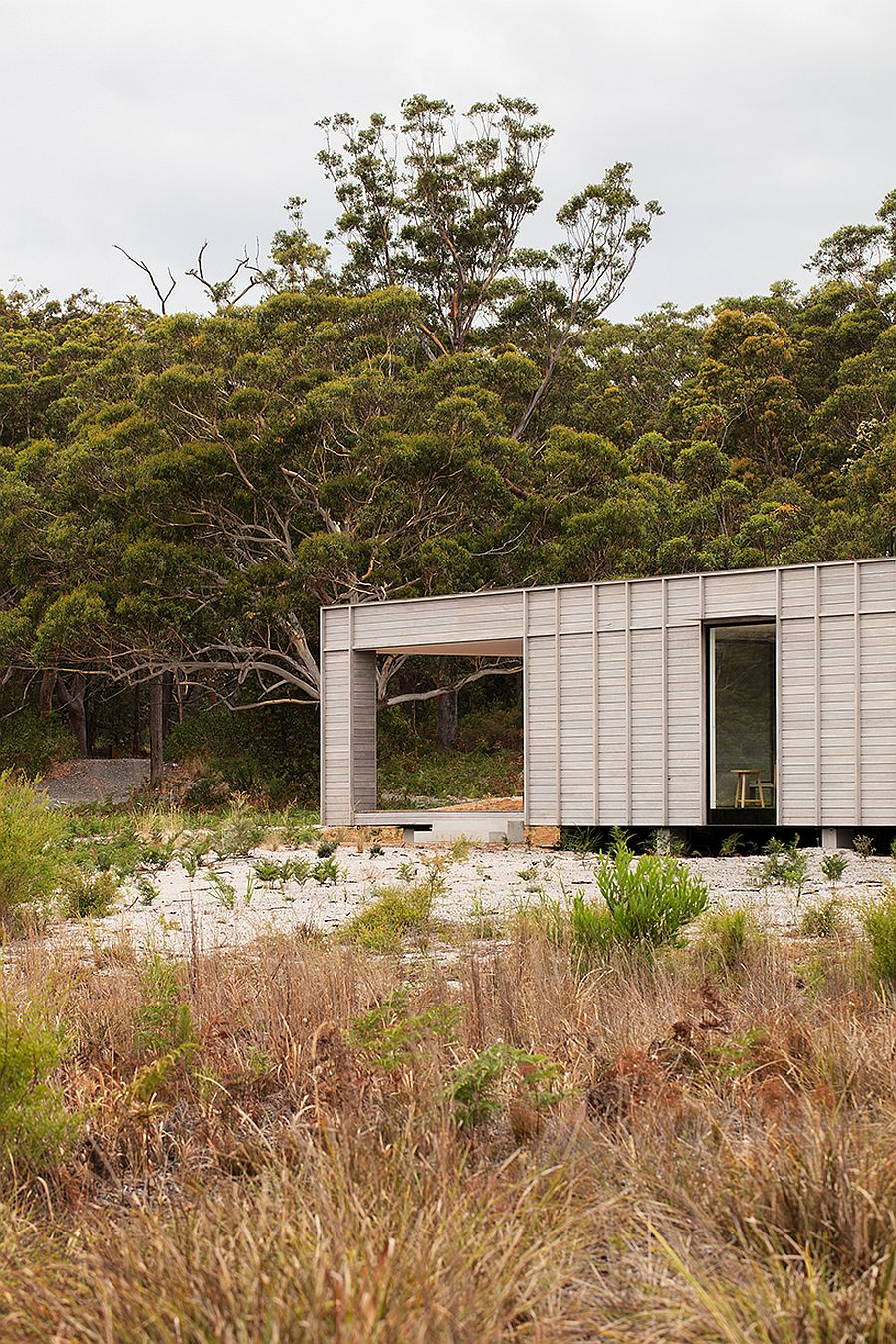 Elevated-design-of-the-prefab-ensures-it-leaves-the-landscape-as-untouched-as-possible-58505