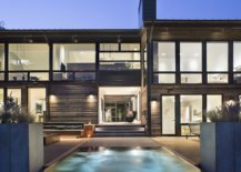Entry-to-the-house-feels-both-modern-and-captivating-thanks-to-the-imposing-mountain-backdrop-41069-217x155