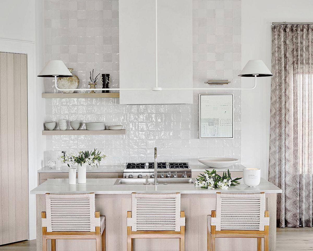 Fabulous-monochromatic-kitchen-inside-the-beach-bungalow-83592