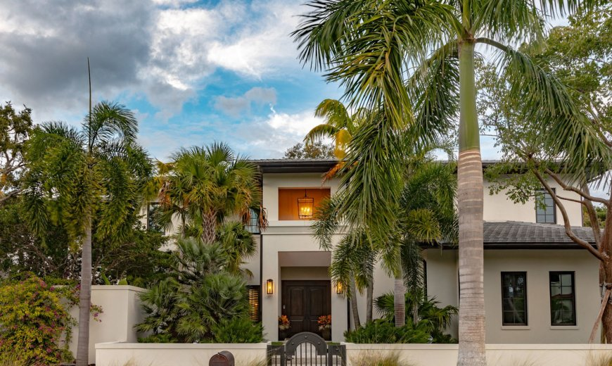 Casual Sophistication Meets Modern Luxury at this Majestic Home in Florida