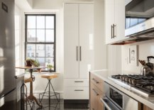 Finding-space-for-that-small-breakfast-zone-inside-the-iny-New-York-City-kitchen-81458-217x155