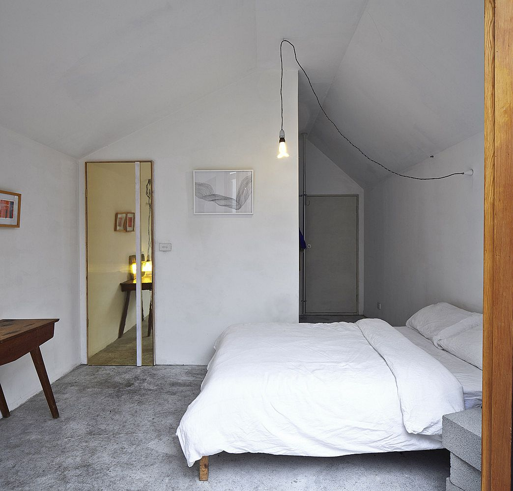 Finding-the-right-lighting-solutions-for-the-small-modern-bedroom-in-white-57398