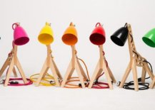 Giraffe-shaped-table-lamp-comes-with-different-colored-lamp-shades-that-make-it-more-exciting-11565-217x155
