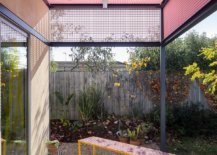 Grid-structure-of-the-pergola-in-pink-leaves-a-lasting-impresion-98847-217x155