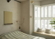 Innovative-use-of-the-Edison-bulb-in-the-small-bedroom-for-lighting-18157-217x155