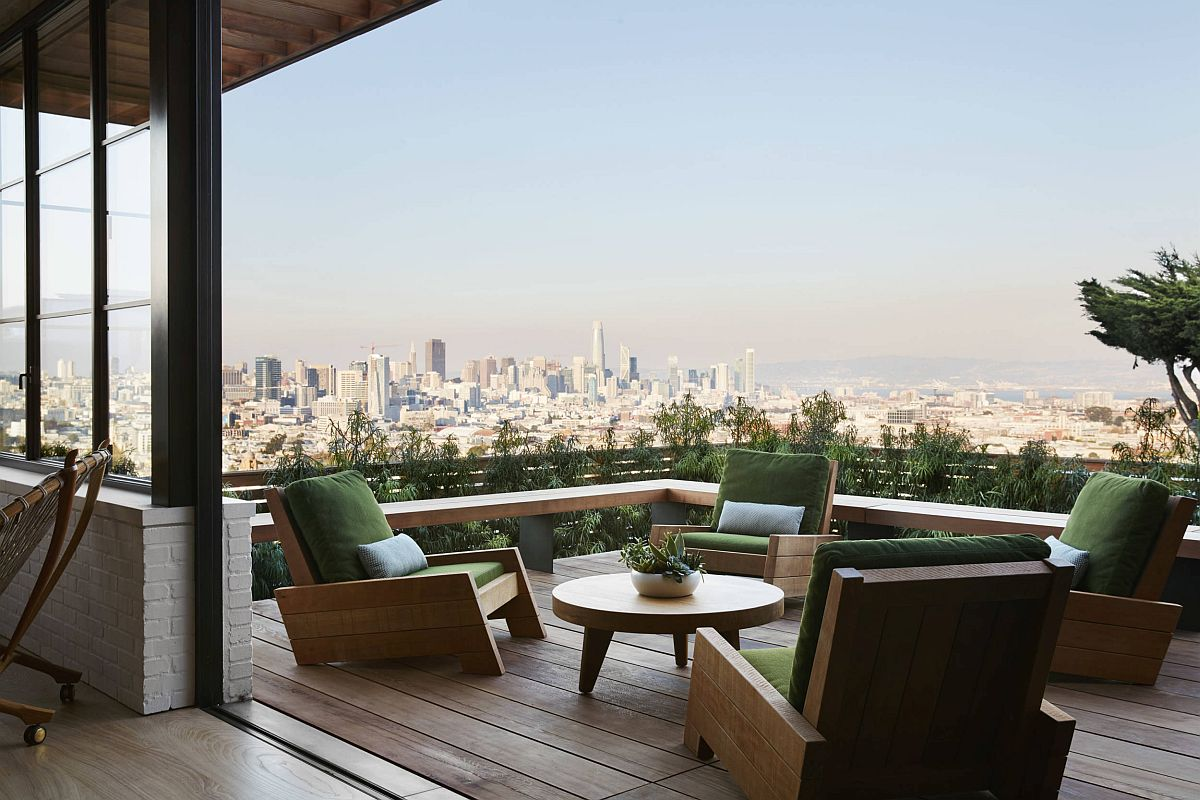 Lovely green balcony of the Urban Retreat in San Francisco with comfortable seats and lovely views