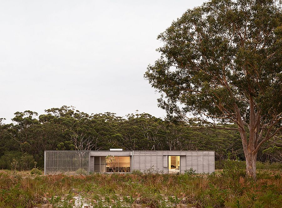 Modern-Courtyard-House-for-FABPREFAB-brings-sustainable-design-to-the-classic-rural-Aussie-Home-58383