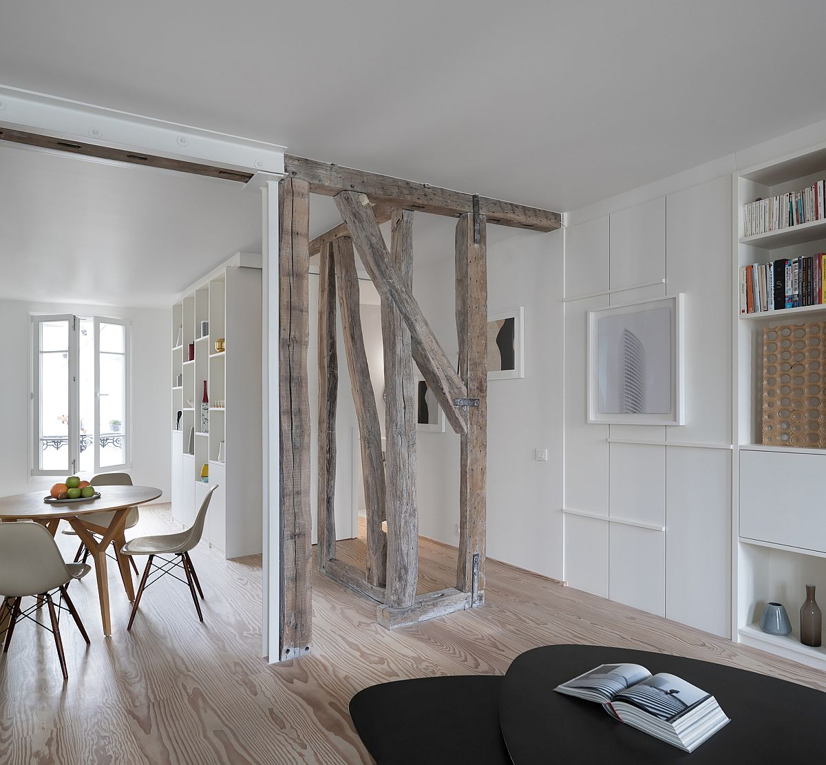 Modern-Paris-home-turns-two-individual-apartments-into-one-larger-family-residence-46542