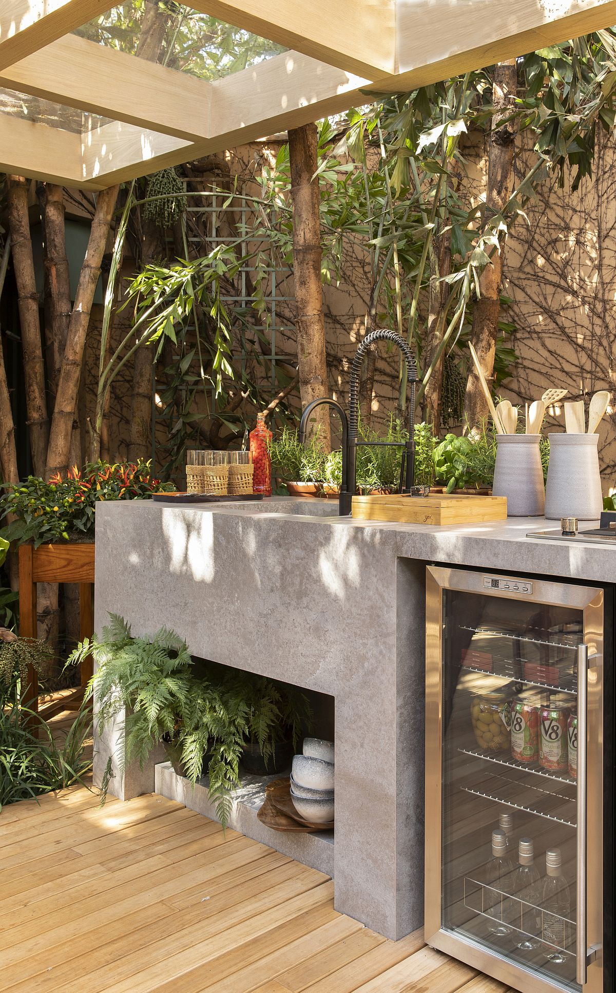 Outdoor kitchen, barbecue zone and beer cooler at the Forest House in Brazil