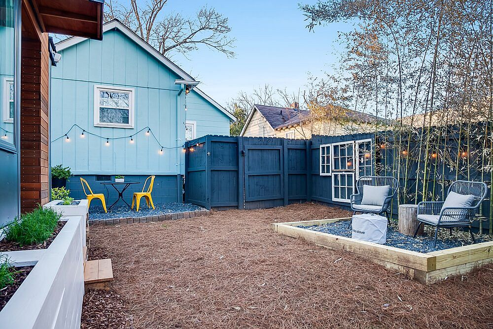 Private yard around the tiny house in Atlanta that you can rent