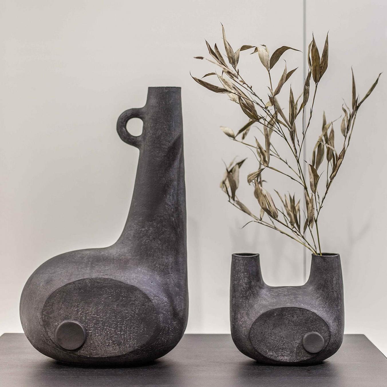 Sculptural black vases from Kooku