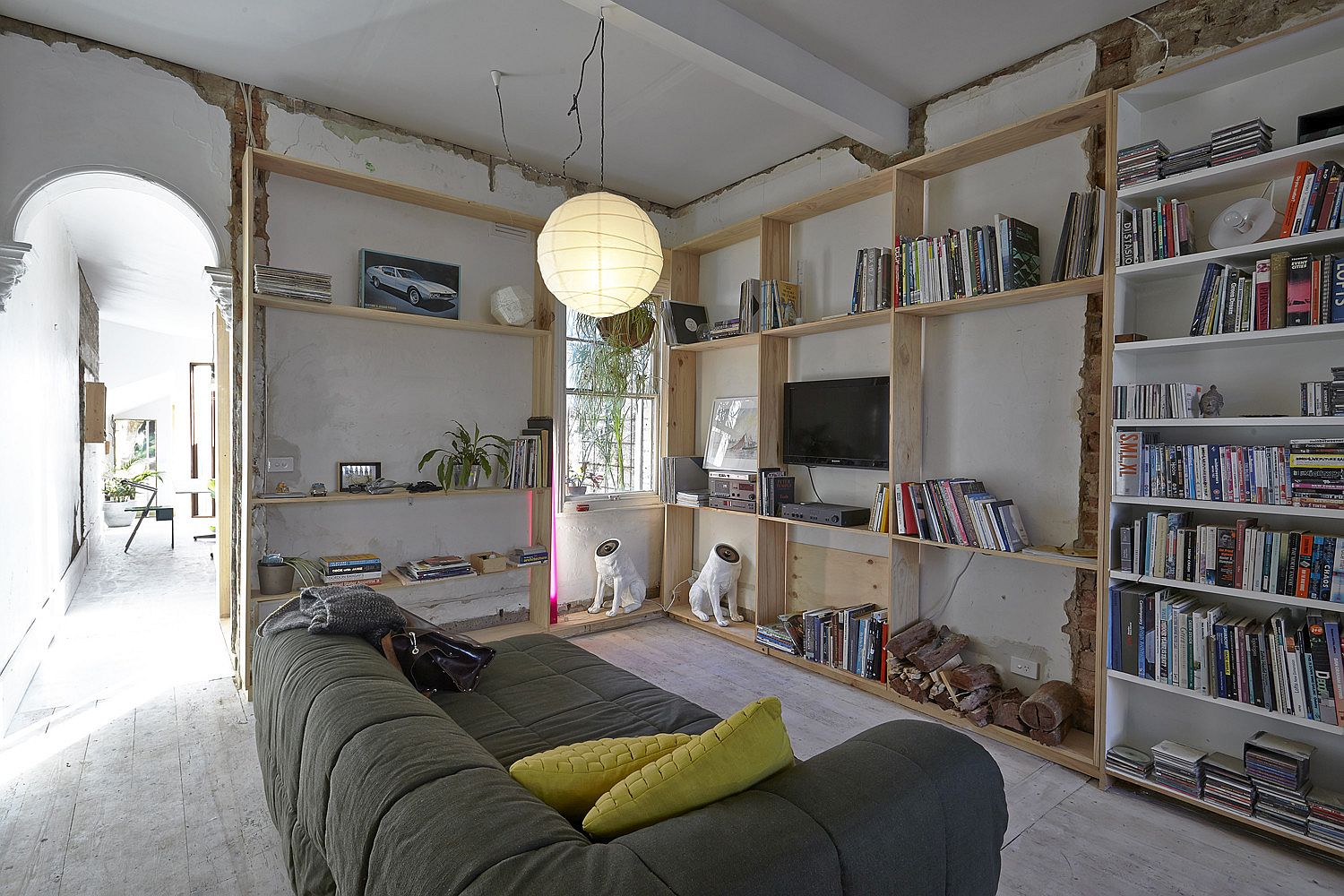 Amazing World of Textural Brilliance: Affordable Makeover of Tiny Cottage