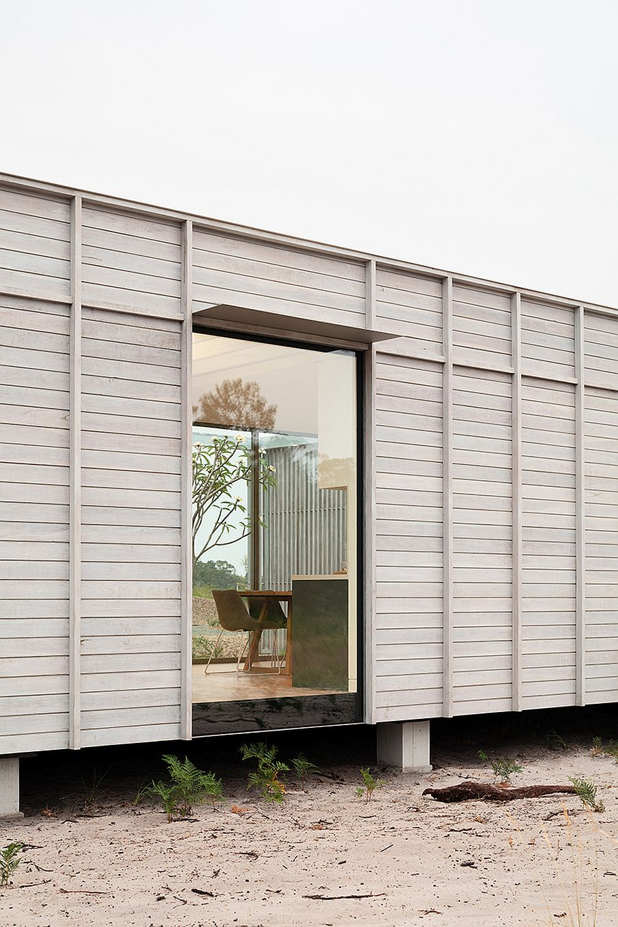 Simple-yet-cleverly-placed-openings-in-the-prefab-can-be-altered-depending-on-necessity-25477