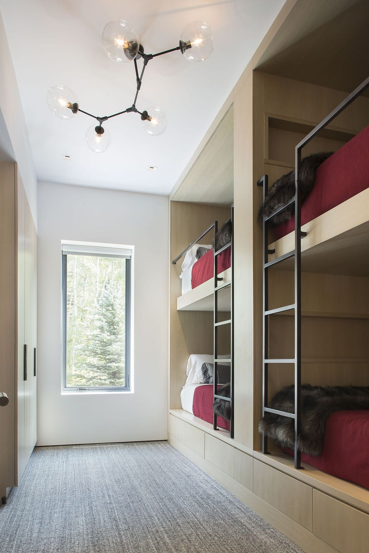 Single-wall Bunk beds for the kids bedroom