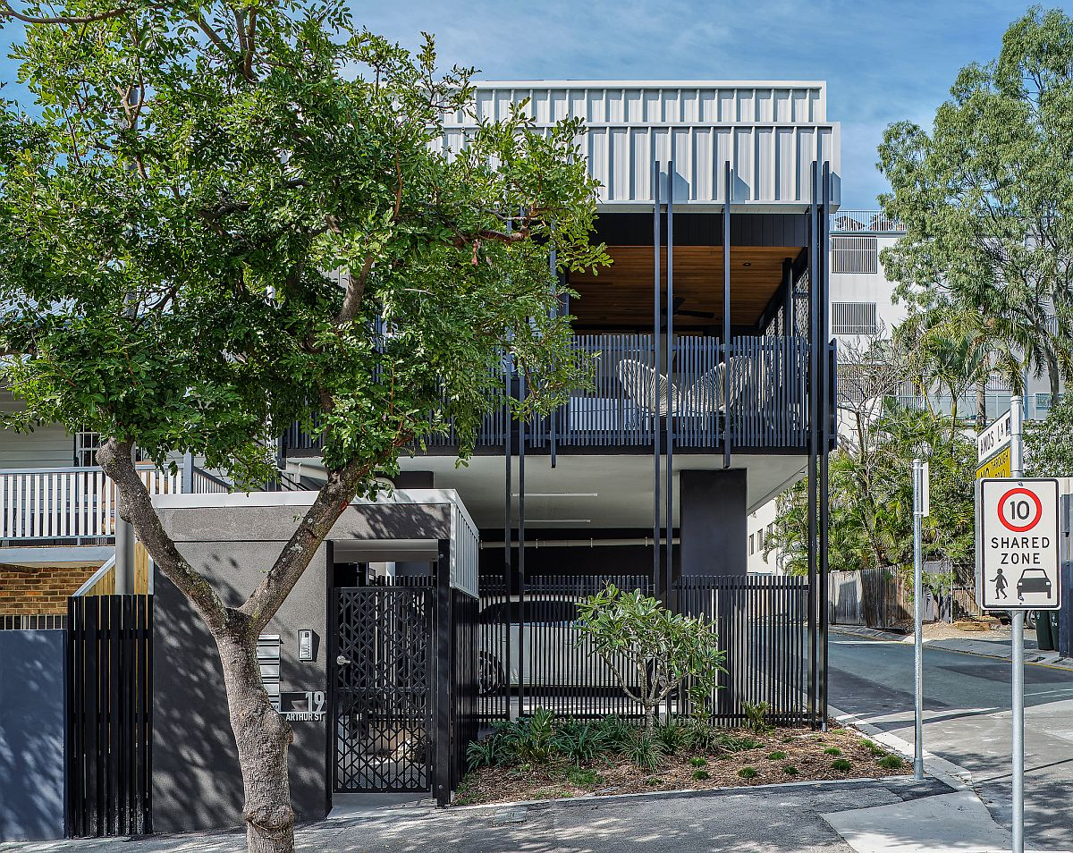 Smart transformation of commercial car parking space into a trio of modern homes in Australia