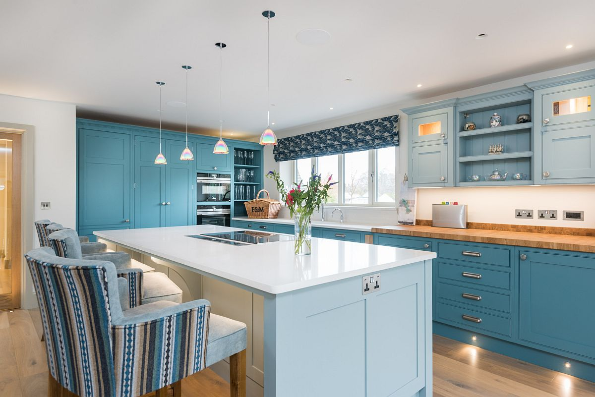 Snazzy beach style kitchen in different shades of blue is both cheerful and modern