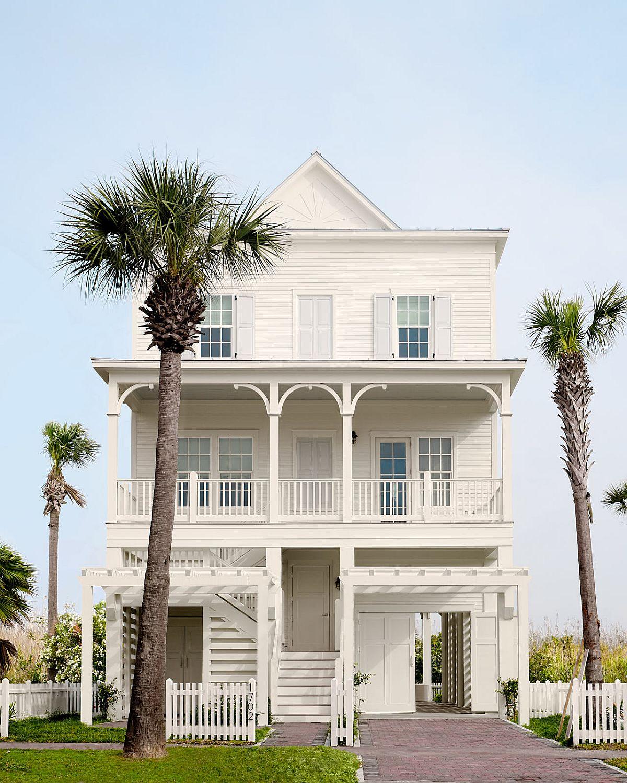 Spacious and luxurious modern beach bungalow in Galveston, Texas