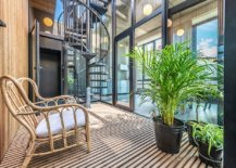 Spiral-staircase-connects-the-studio-space-on-the-lower-level-with-the-lovely-modern-industrial-apartment-above-53644-217x155
