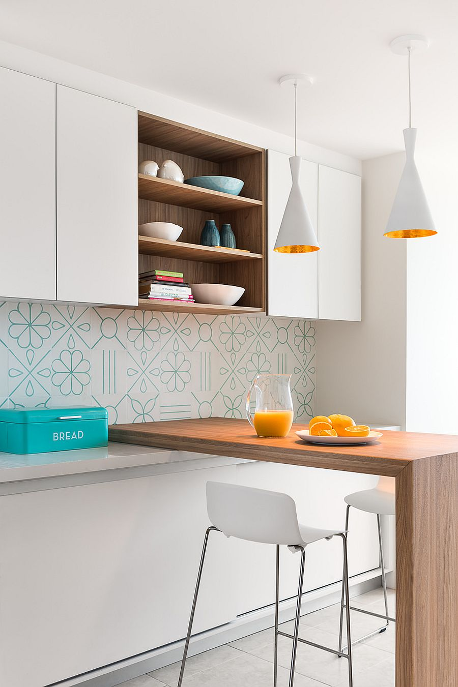 Tiles-of-the-backsplash-add-pattern-to-the-kitchen-in-white-with-a-monochromatic-look-29024