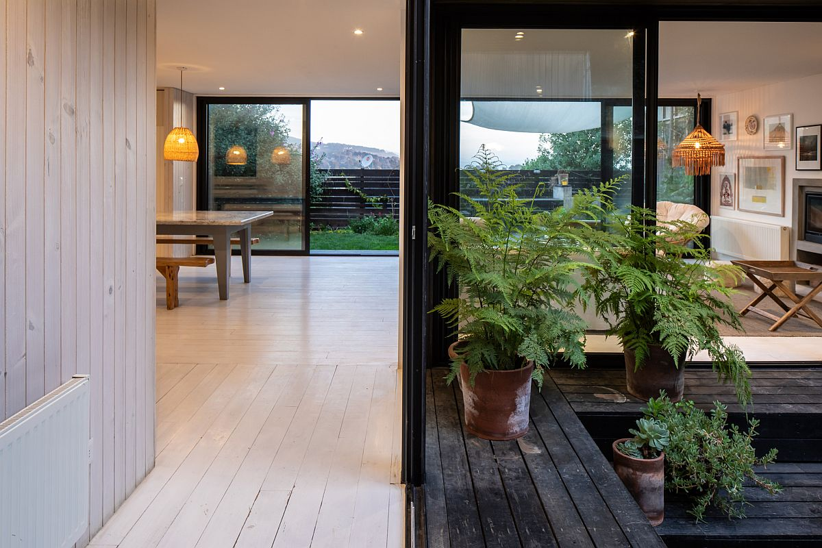 Using smart sliding glass doors to create a seamless interface between the interior and the outdoors