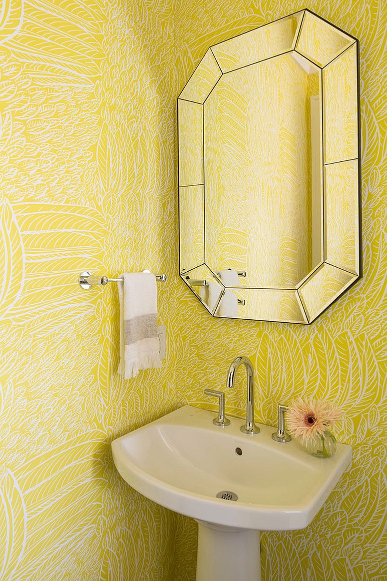 Wallpaper with yellow pattern feels both welcoming and smart