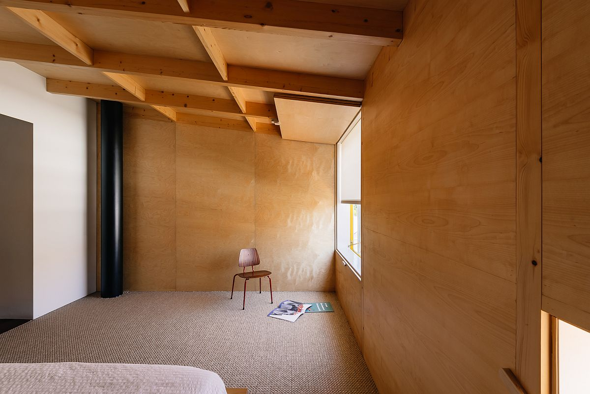 Walls-and-ceiling-bring-wood-to-the-lovely-interior-where-space-is-cleverly-maximized-40154