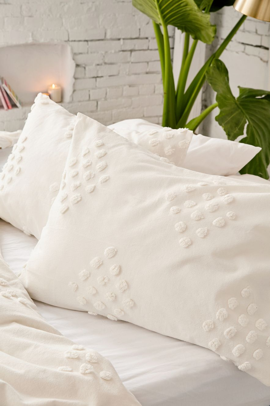 White-tufted-geometric-shams-72530