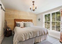 Wooden-floor-painted-gray-gives-the-modest-beach-style-bedroom-a-more-sophisticated-look-27483-217x155