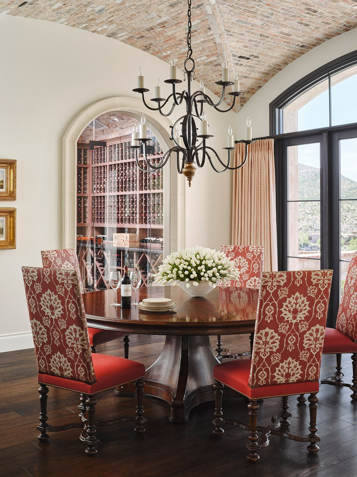 A perfect setting for a small festive feast as you head into fall and the Holiday Season ahead