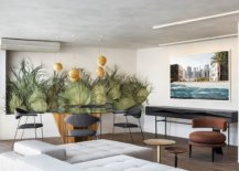 Dried-palm-leaves-in-the-backdrop-bring-color-and-tropical-flavor-to-the-modern-Moroccan-Brazilian-apartment-68725-217x155