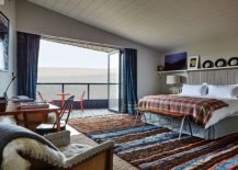Elegant-bedroom-with-ocean-views-that-veers-more-towards-the-modern-than-the-eclectic-89800-217x155