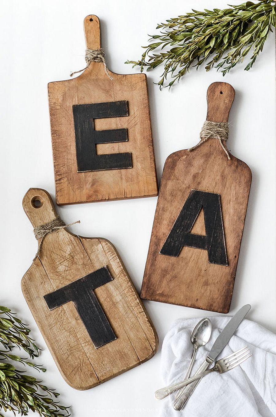 Gorgeous DIY Cutting Board Wall Art is the perfect DIY for the modern kitchen with a difference