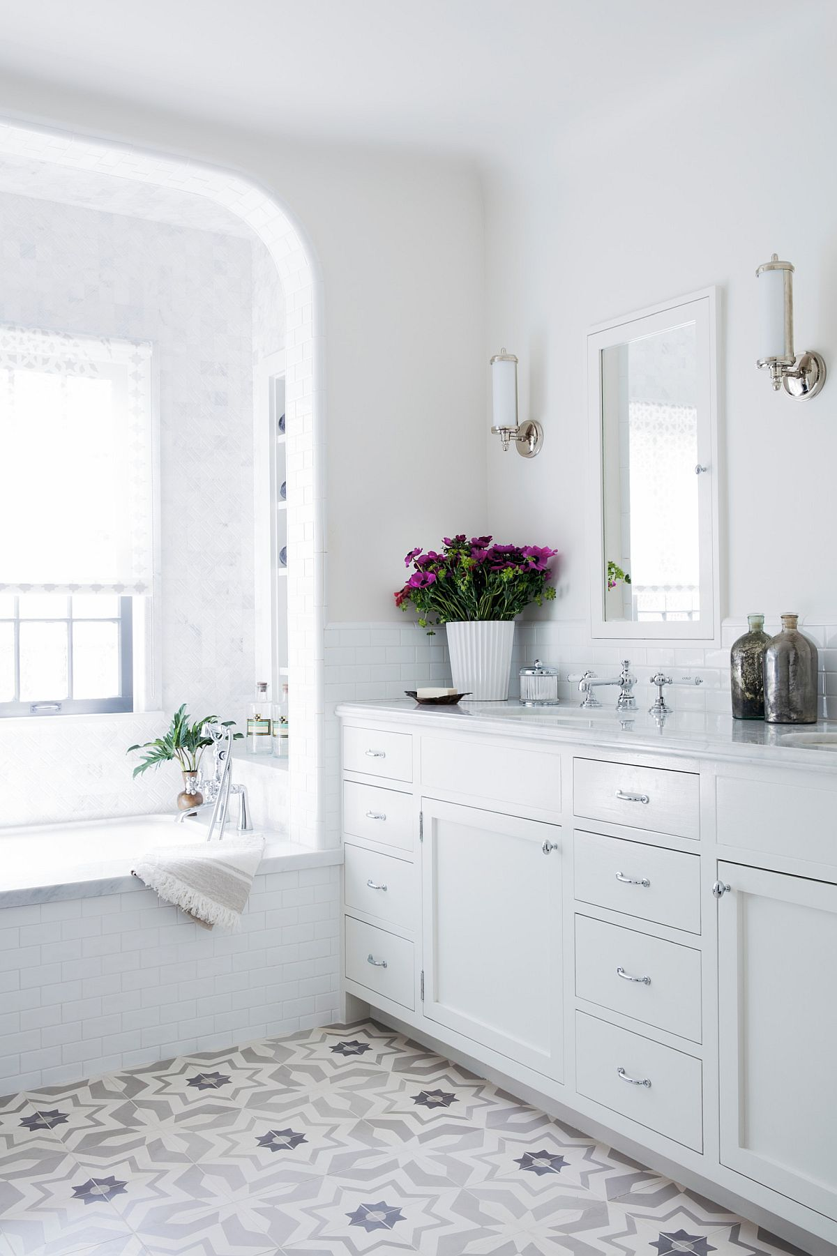 Master-bathroom-with-modern-touches-of-the-Spanish-Revival-home-in-Santa-Monica-57280