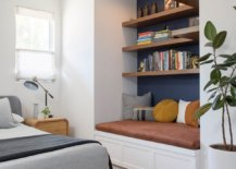 Midcentury-modern-bedroom-in-LA-shows-that-space-is-not-a-constraint-when-it-comes-to-small-reading-nooks-60940-217x155