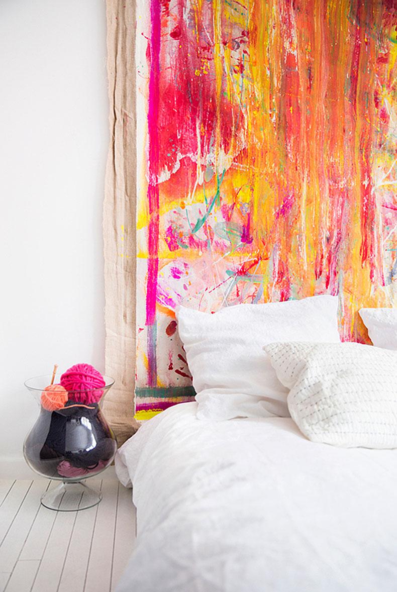 Modern-painted-canvas-headboard-idea-92333