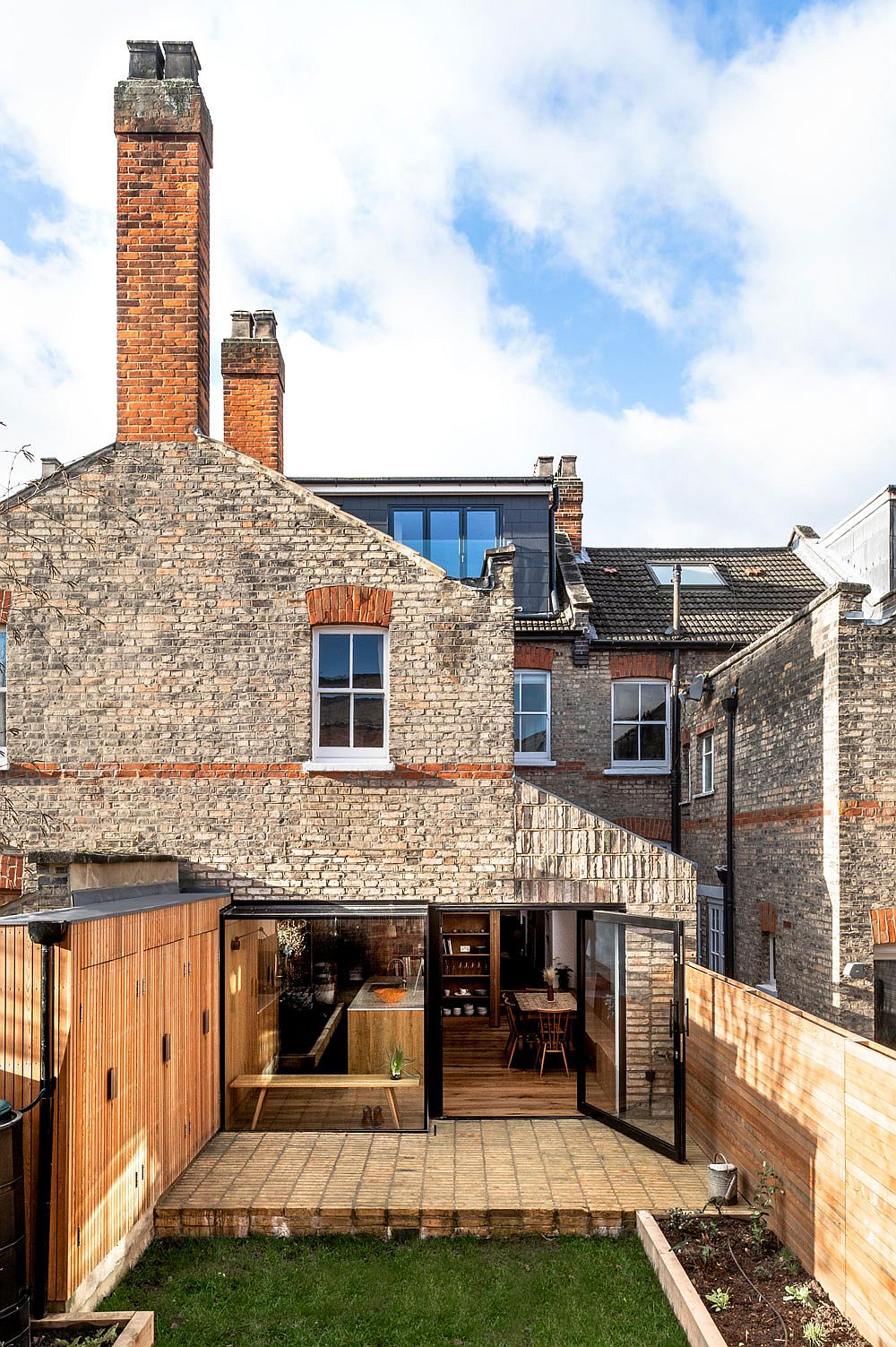 North London home extension that blends in with the visual appeal of the original classic home