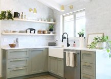 Shaker-style-cabinets-look-cool-even-in-the-modern-kitchen-61522-217x155