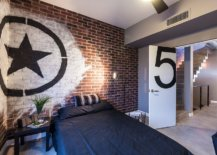 Turn-the-exposed-brick-wall-into-the-highlight-of-the-bedroom-with-graffiti-69966-217x155