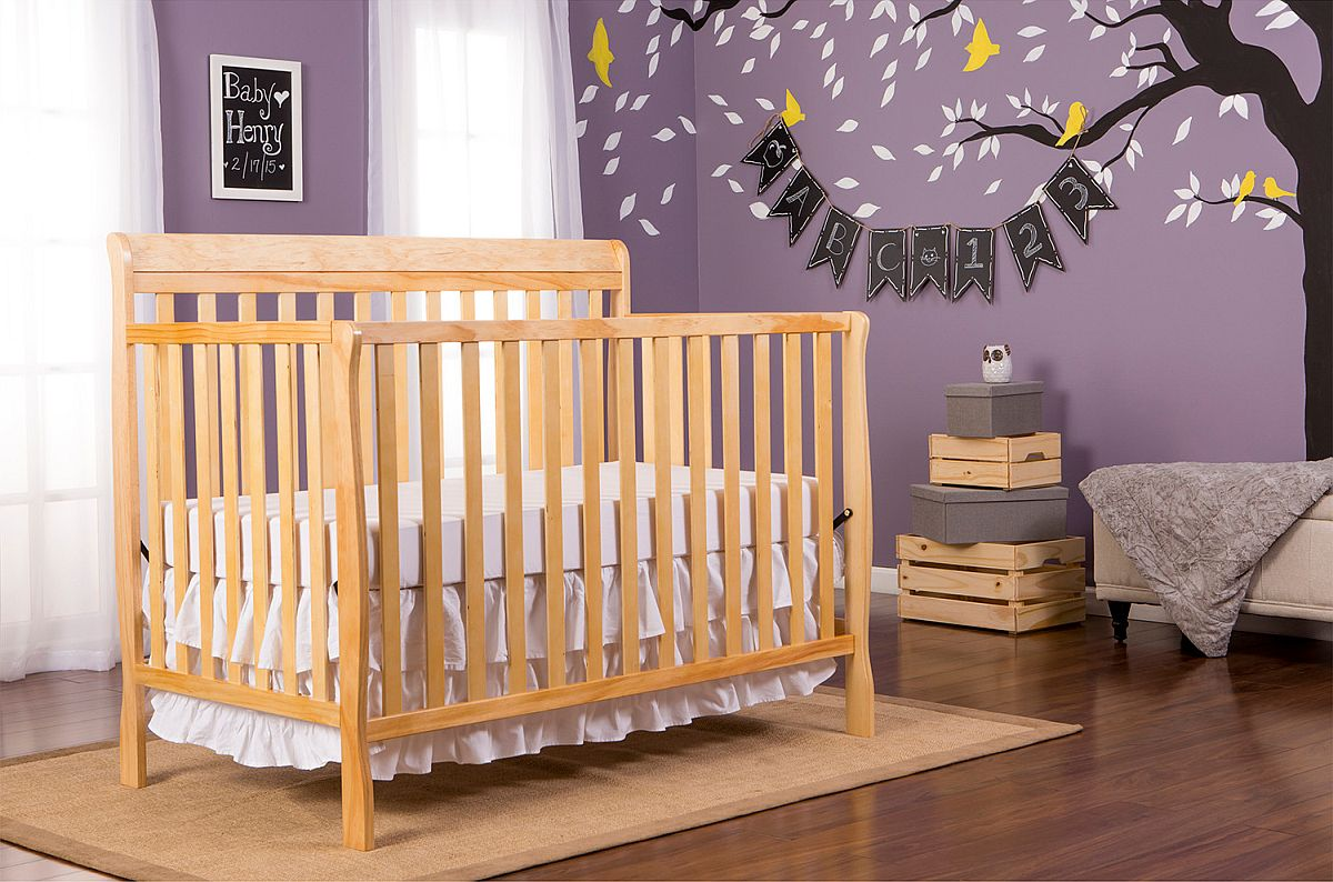 A-perfect-backdrop-for-that-great-wooden-crib-in-the-nursery-92994