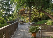 Awesome-wooden-deck-extends-int-the-natural-canopy-and-creates-a-gorgeous-getaway-at-home-80770-217x155